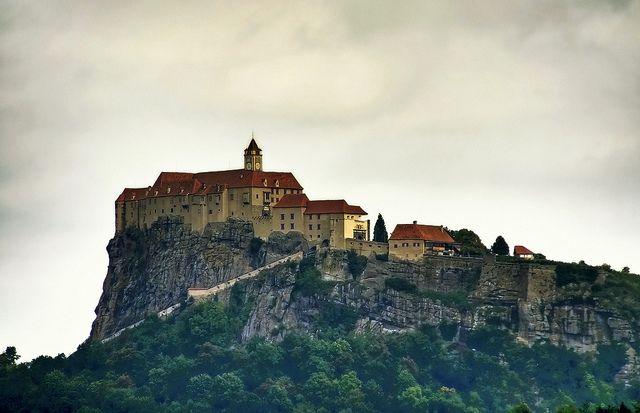 http://www.castlesguide.ru/images/austria/castles/rigersburg/08.jpg