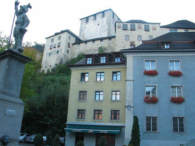 http://www.castlesguide.ru/images/austria/castles/schattenburg/19.jpg