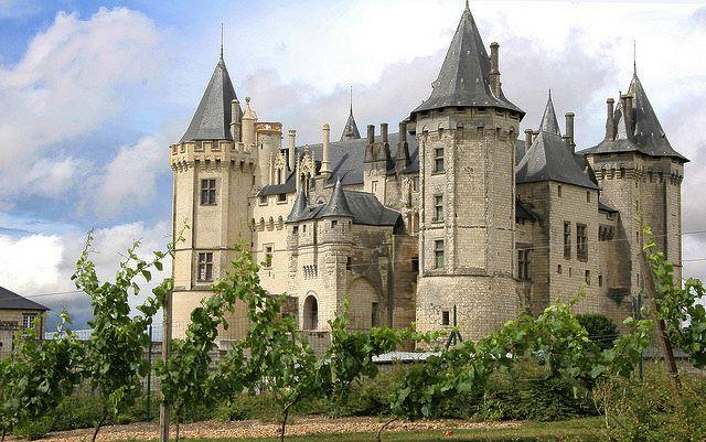 http://www.castlesguide.ru/images/france/castles/saumur/10.jpg