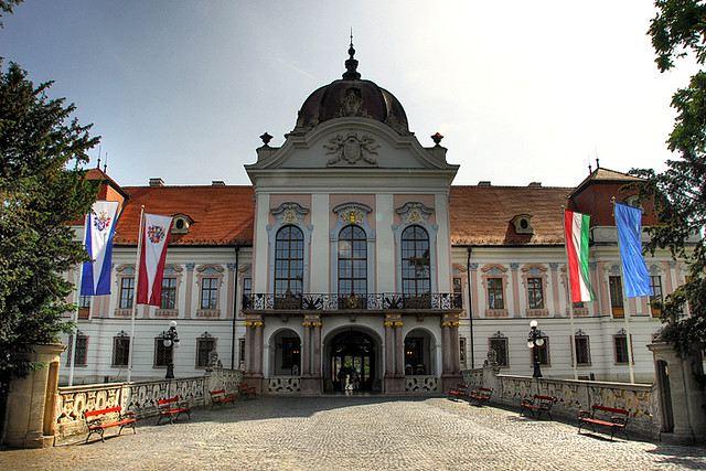 Картинки по запросу Замок Грашшалковичей