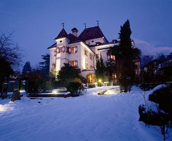 http://www.castlesguide.ru/images/italy/castles/rundegg/05.jpg