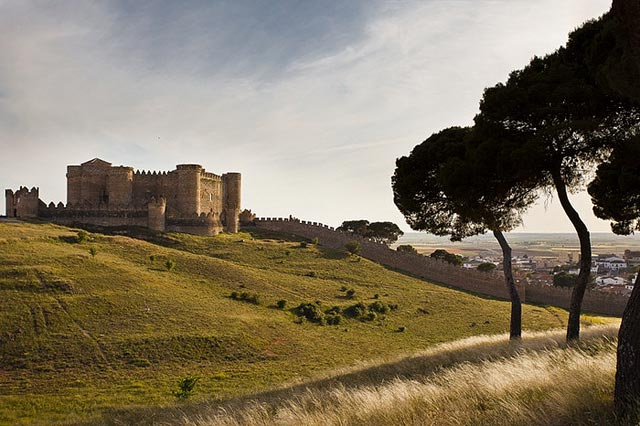 Замки в испании недвижимость